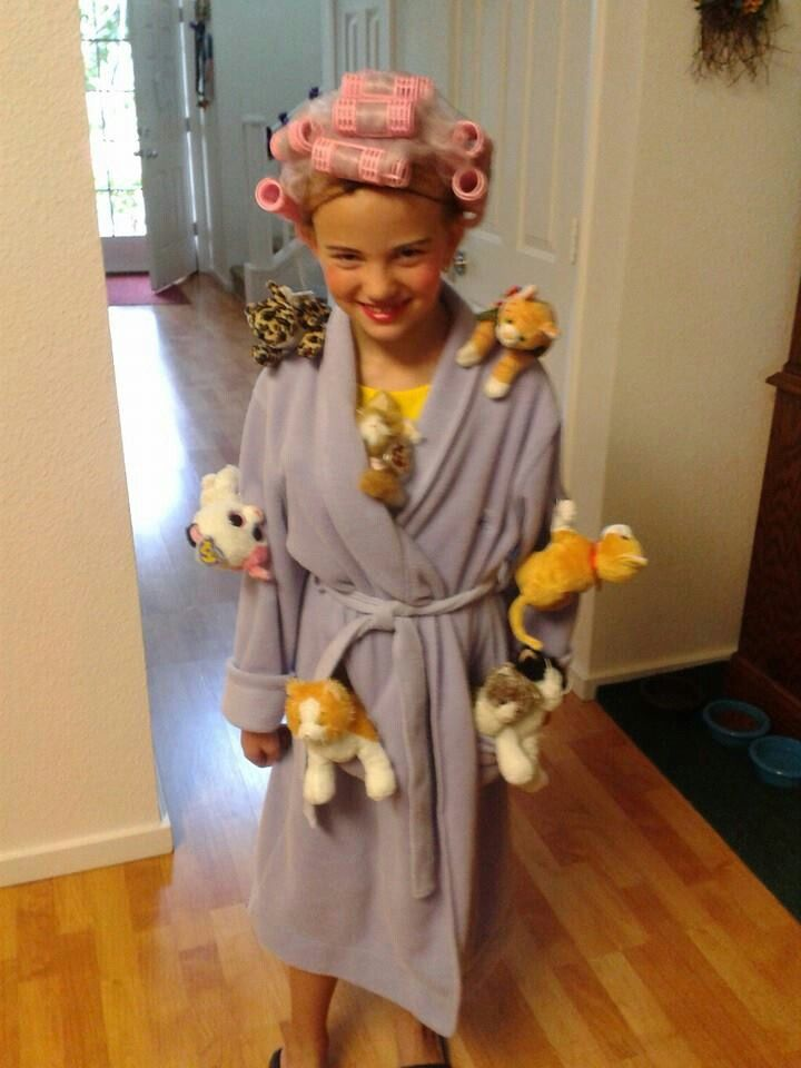 Kids Halloween costume - the Crazy Cat Lady ..... LOVE it ...