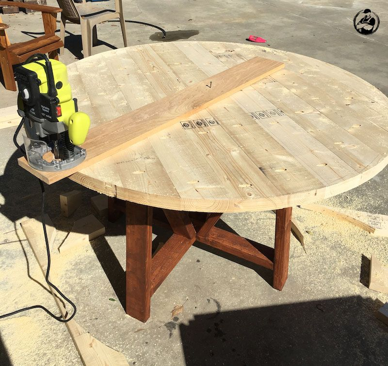 DIY Round Trestle Dining Table   Step 10