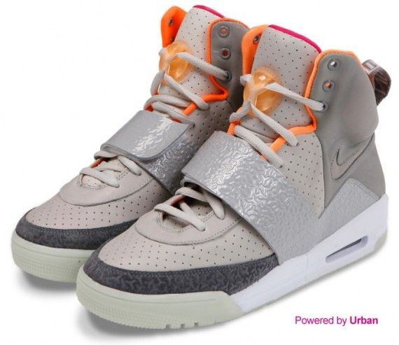 I Would Rock Some Air Yeezys Belli Si Nasce Yeezy Sneakers Air Yeezy Yeezy