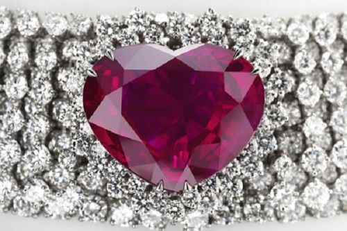Heart of the Kingdom - The jewellery costs at $14 million. This piece features a remarkable burmese ruby of 40.63 carats
