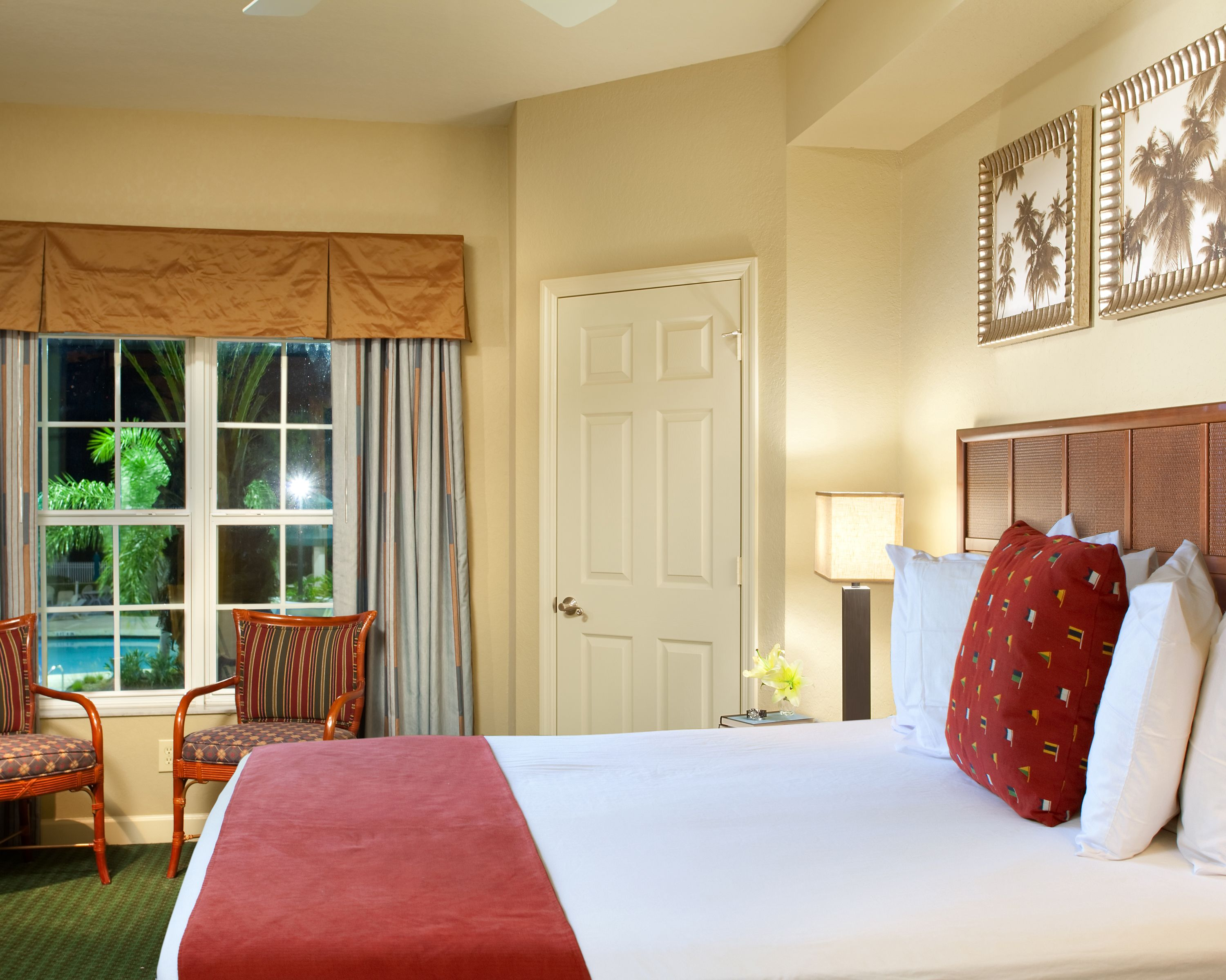 relax in country club inspired 1- and 2-bedroom suites at