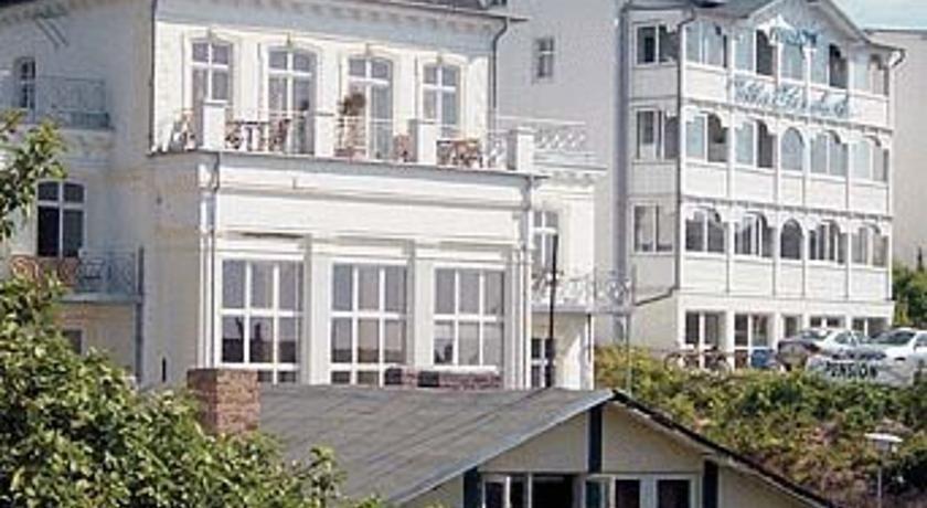 Pension Villa Elisabeth Sassnitz This grand villa on Rügen