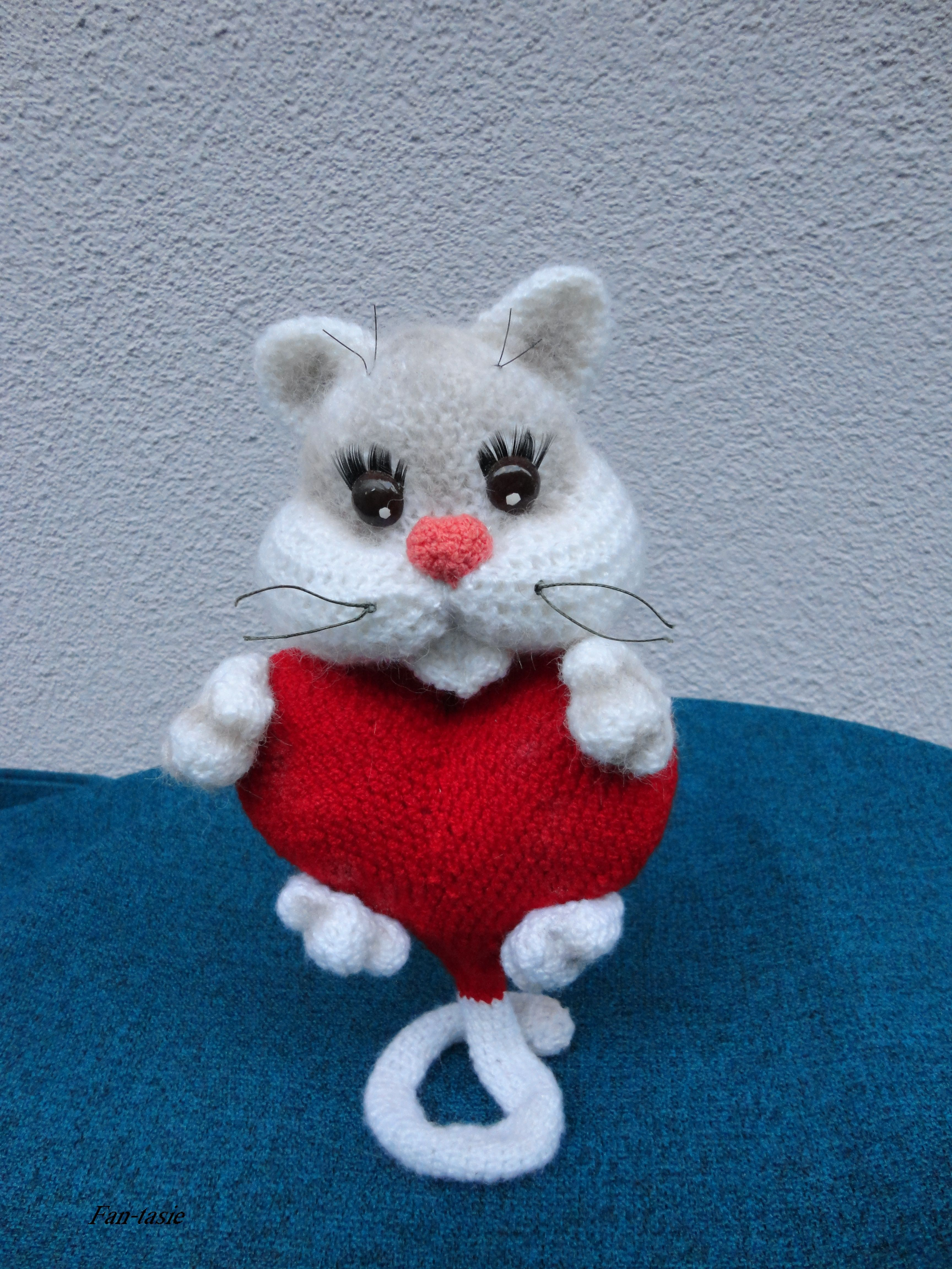 кот Любимчик