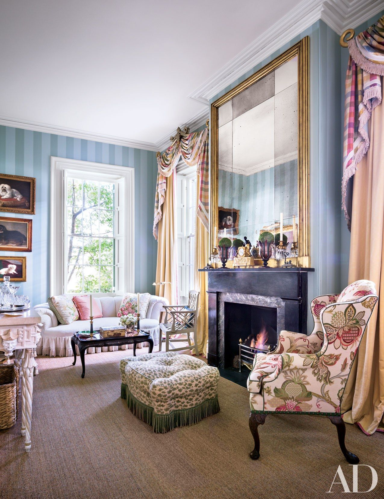 Home Decor Charleston Sc.Decorator Mario Buatta Gives These 6 Interiors His Signature