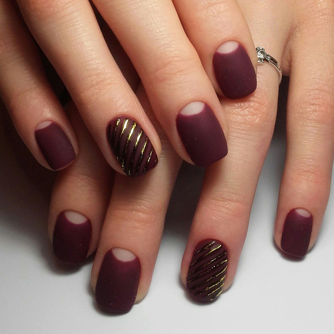 burgundy nails colors
