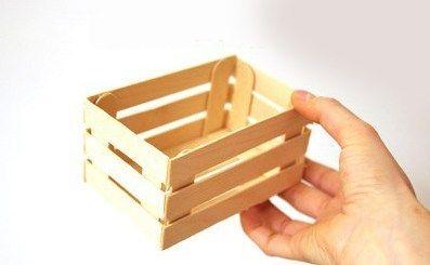 Usa palitos de madera y crea lindas cajitas para obsequios