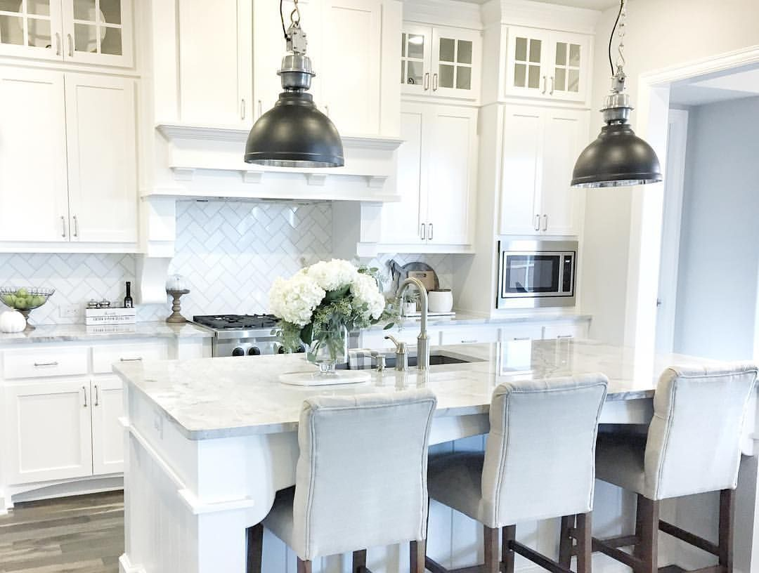 Fresh flowers and freshly painted cabinets!! 🌿 Hope you ...
