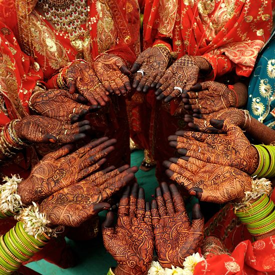 Marvelous Mehndi   Traditional Indian tours with us. Know about raw Indian