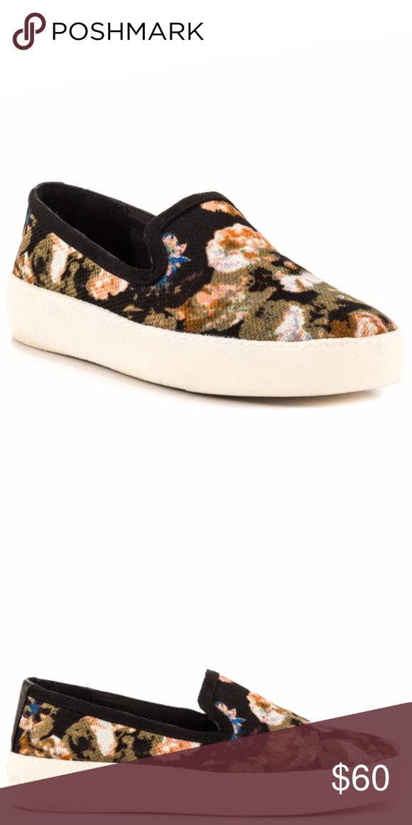 416c74eaa1ec39 Sam Edelman Becker Slip-On Sneaker - Floral Fabric Synthetic sole Heel  measures approximately 1.25