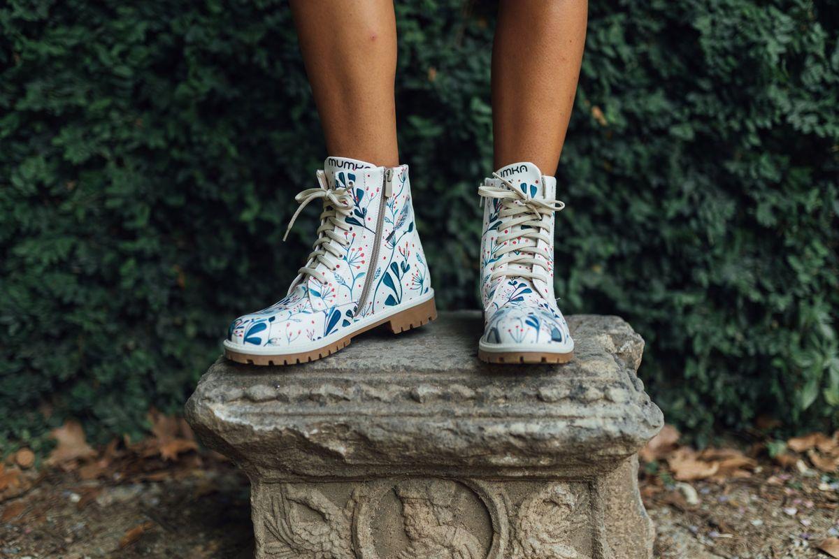 Mumka Hiszpanska Firma Obuwnicza W Polsce Ekologiczne Weganskie Buty I Torebki Kolorowe I Zabawne Etyczne Buty Ha High Top Sneakers Shoes Top Sneakers