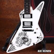 james hetfield white explorer guitar electric guitars guitar collection guitar metallica. Black Bedroom Furniture Sets. Home Design Ideas