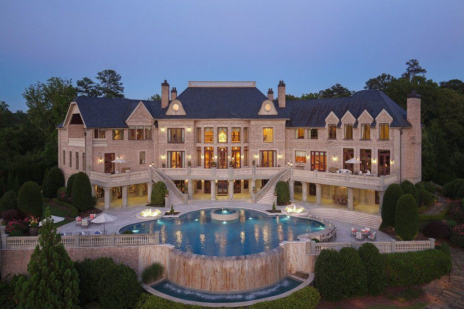 Atlanta S Most Spectacular Gated Estate Nestled On 17 Parklike Acres In Atlanta Ga United States Luxury Rea Mansions Luxury Homes Dream Houses Dream Mansion