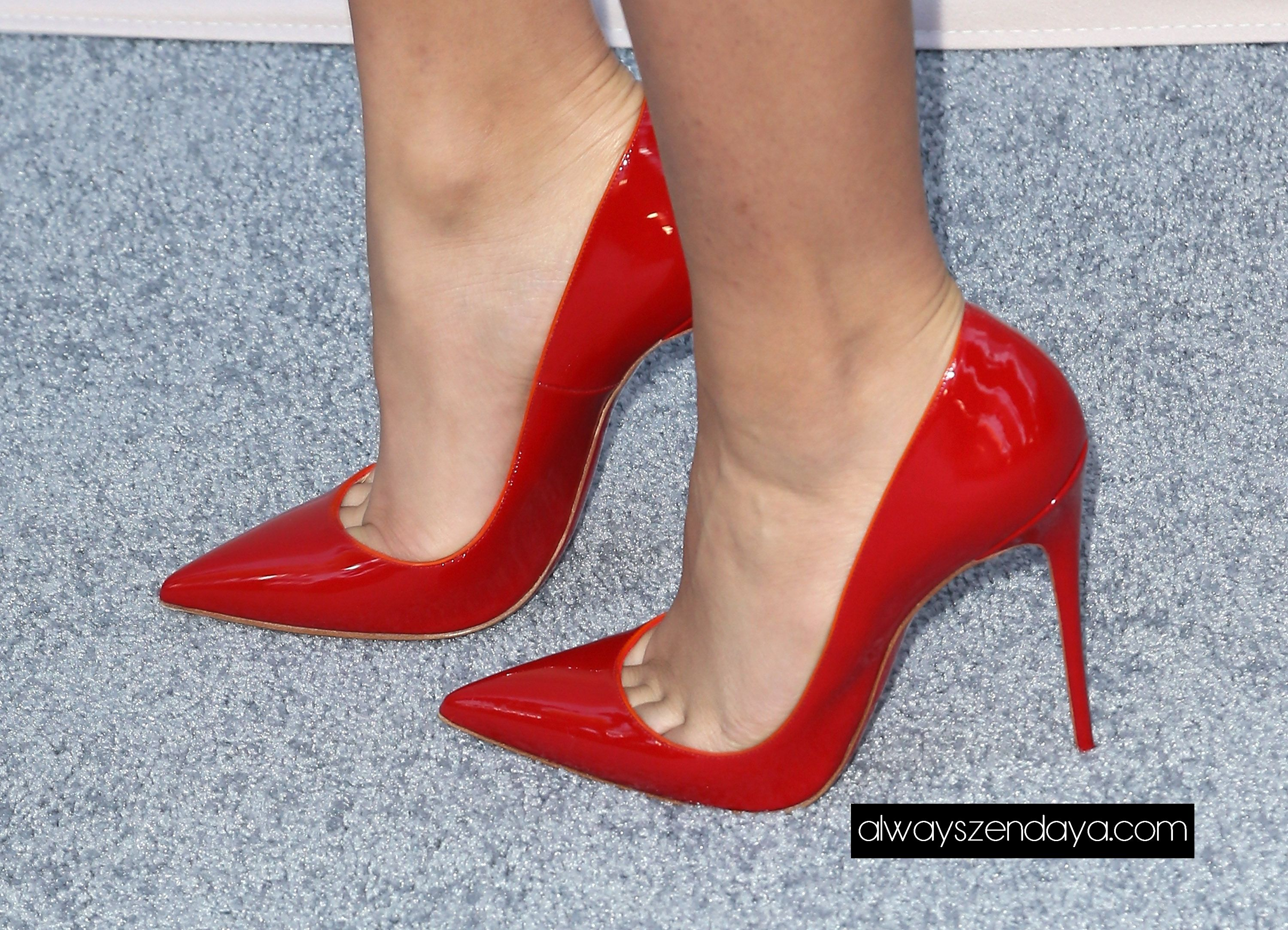 Red pointed toe pumps. Stiletto heels. Tacchi Close-Up # ...