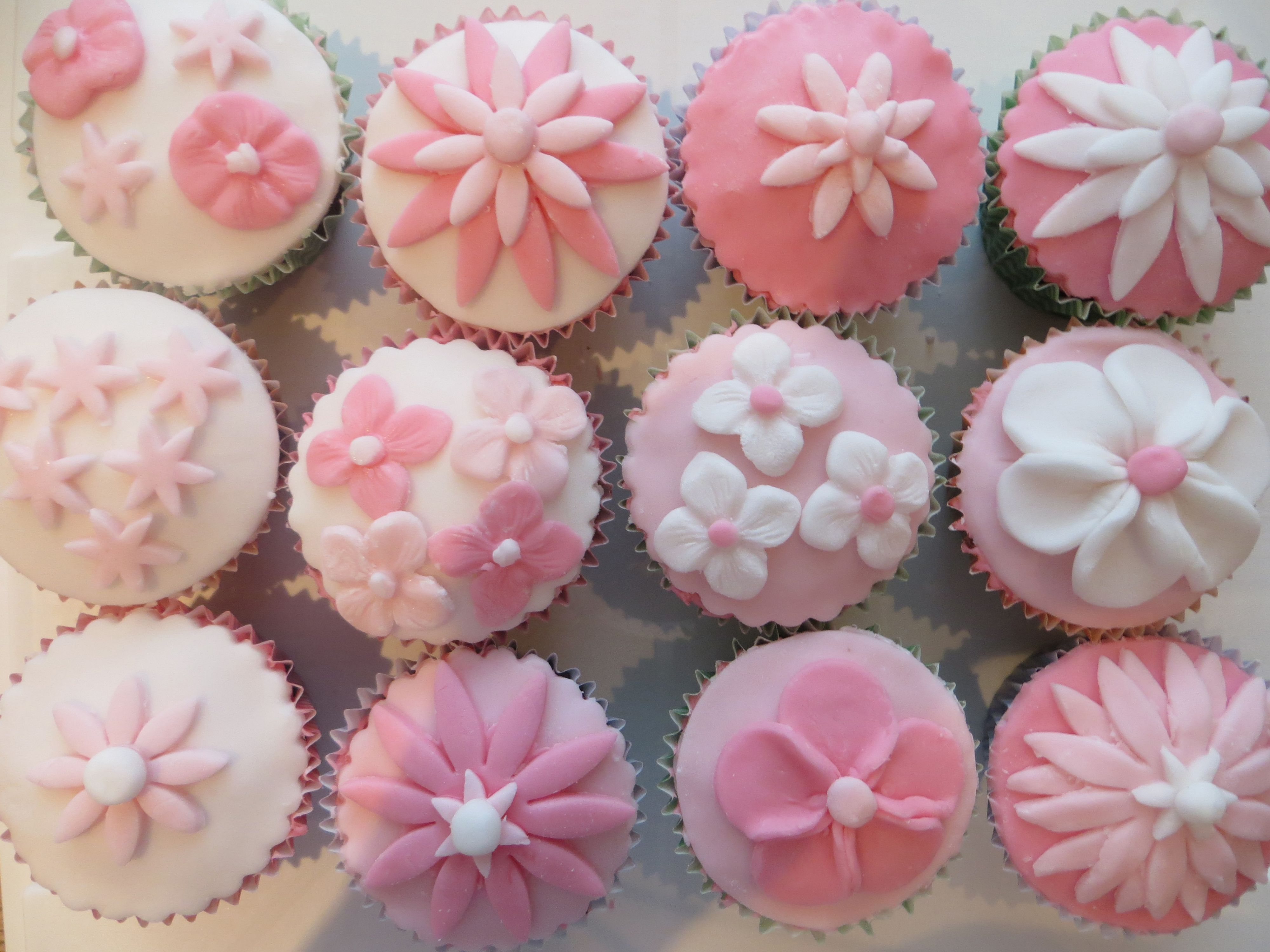 Pink Flower Cupcakes My Cakes Pinterest Flower Cupcakes And Cake