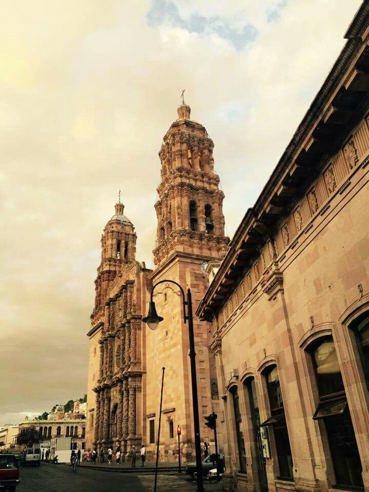Caminando por las calles de Zacatecas.