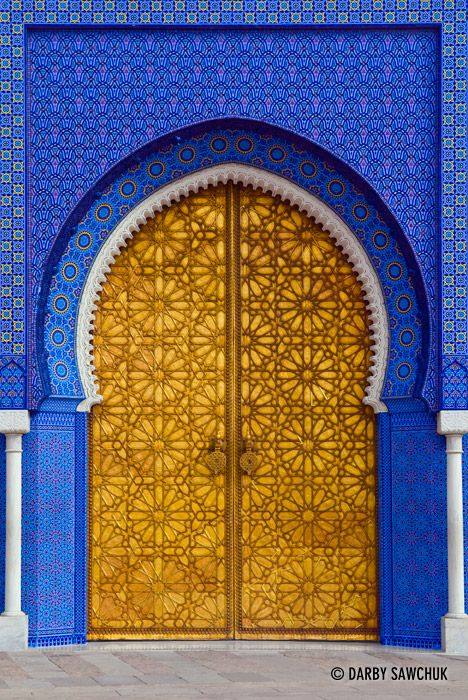 The doors to the royal palace in fes morocco design for Architecture orientale