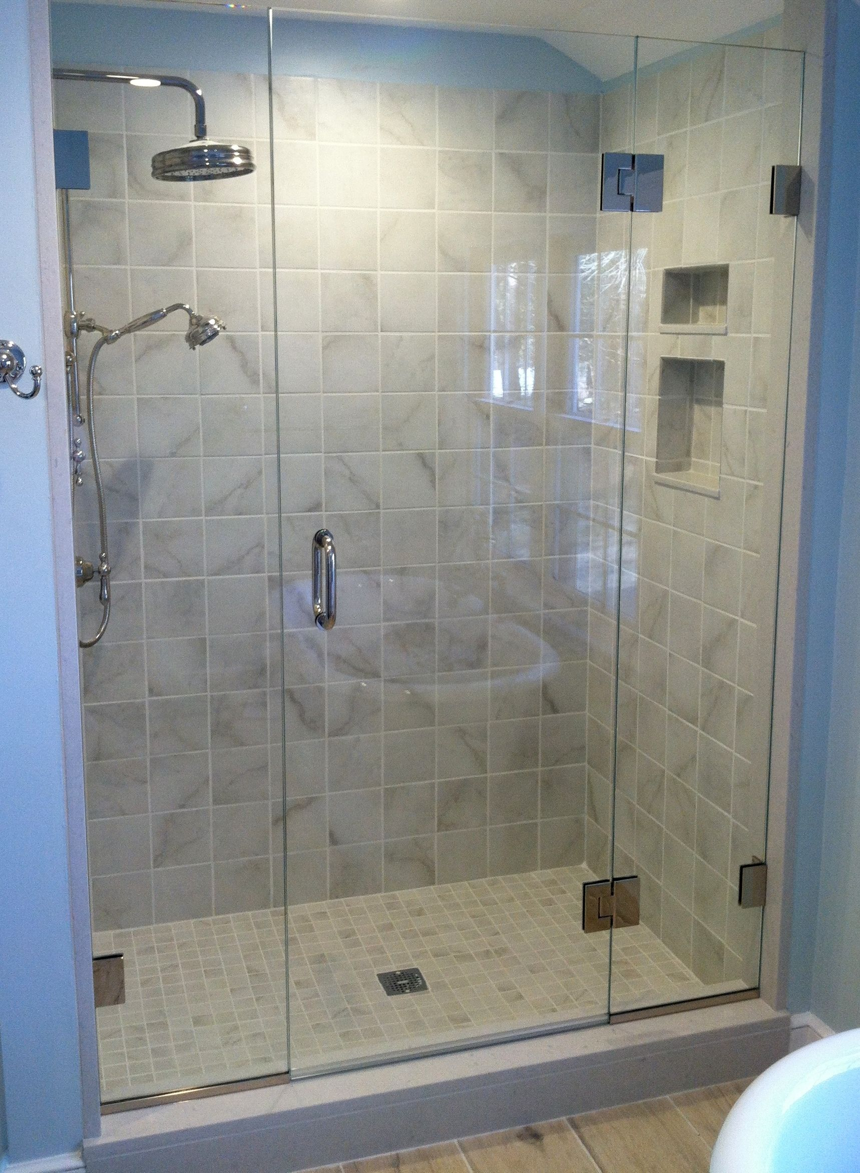 This 5\' foot opening is the same width as a standard bath tub and ...