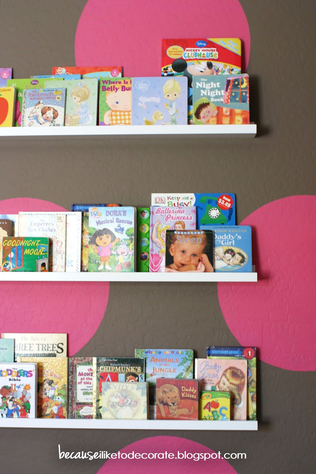 the girls room progress 14 toddler bookshelf wall because i like to decorate - Toddler Bookshelves