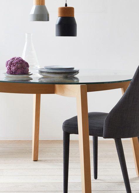 Anémone chaise en tissu gris foncé déco salle à manger sejour