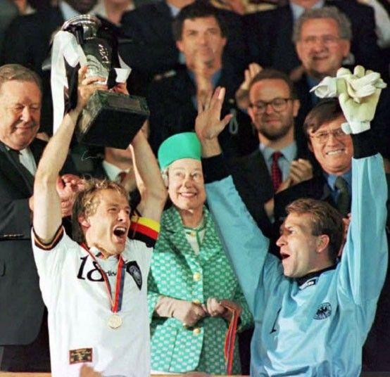 The Queen S Diamond Jubilee 60 Years In 60 Photographs Jurgen Klinsmann Queen International Football