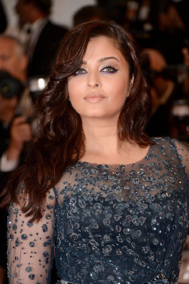 Pictures Photos Of Aishwarya Rai Bachchan Imdb Aishwarya Rai Cannes Aishwarya Rai Cannes Film Festival
