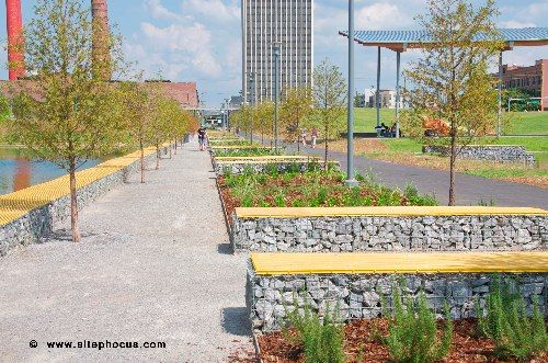 Railroad Park Birmingham Al Tom Leader Studio Landscape Architecture This Project Celebrates The Active Participation Of 11 Tracks Of Well Loved Train