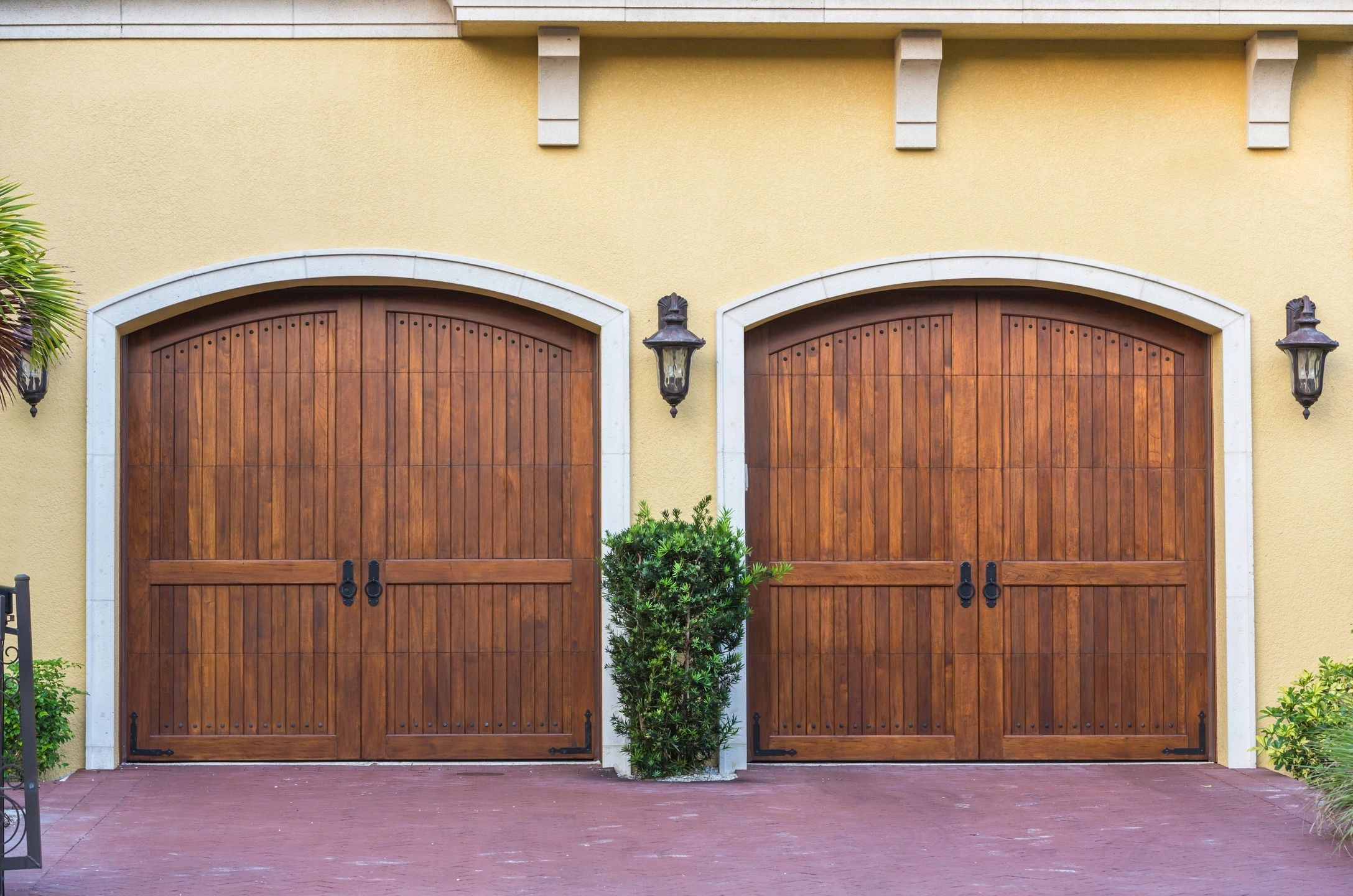 Are You Searching For Garage Door Services Our Experienced