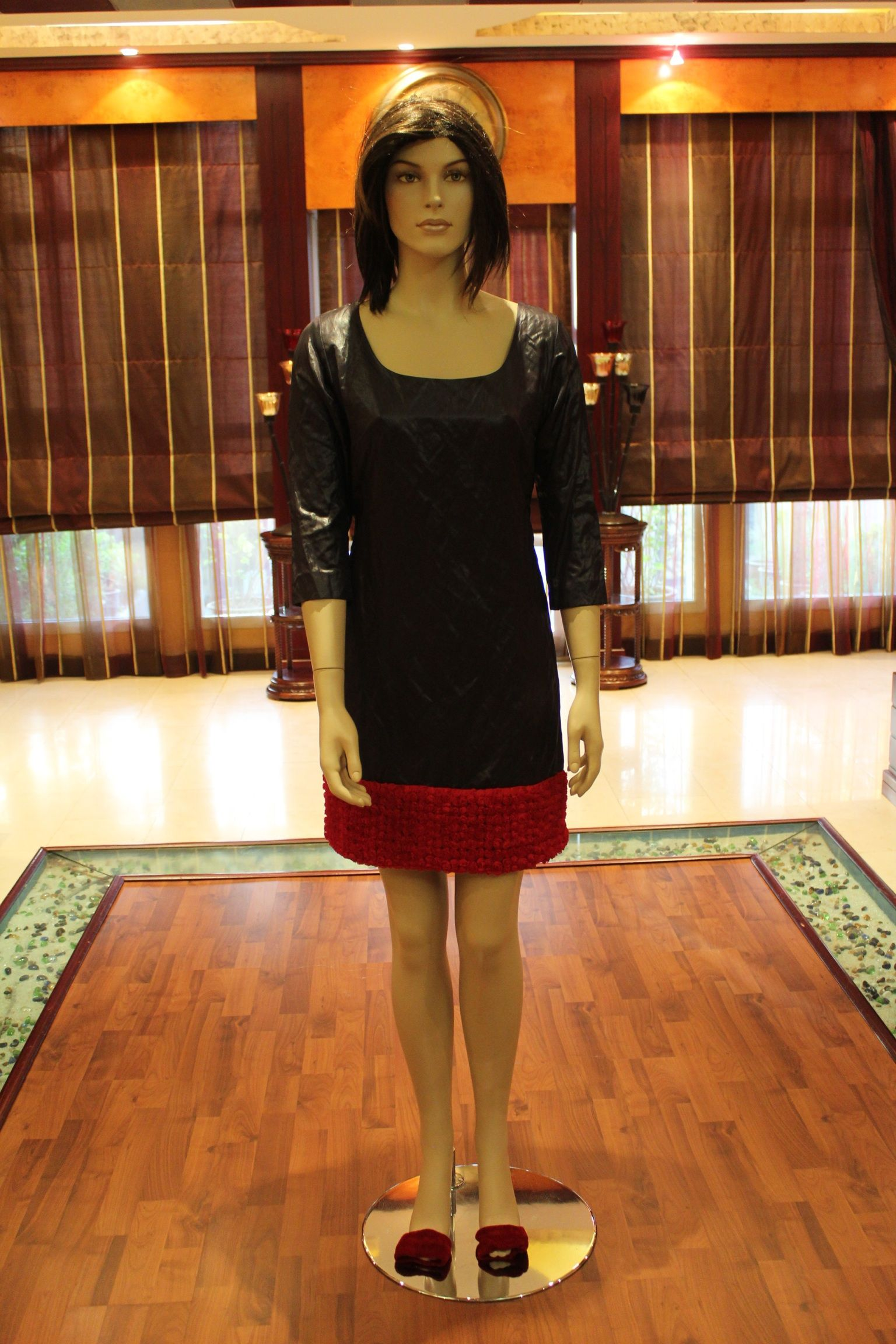 Black dress with red roses lace shemailat pinterest red roses