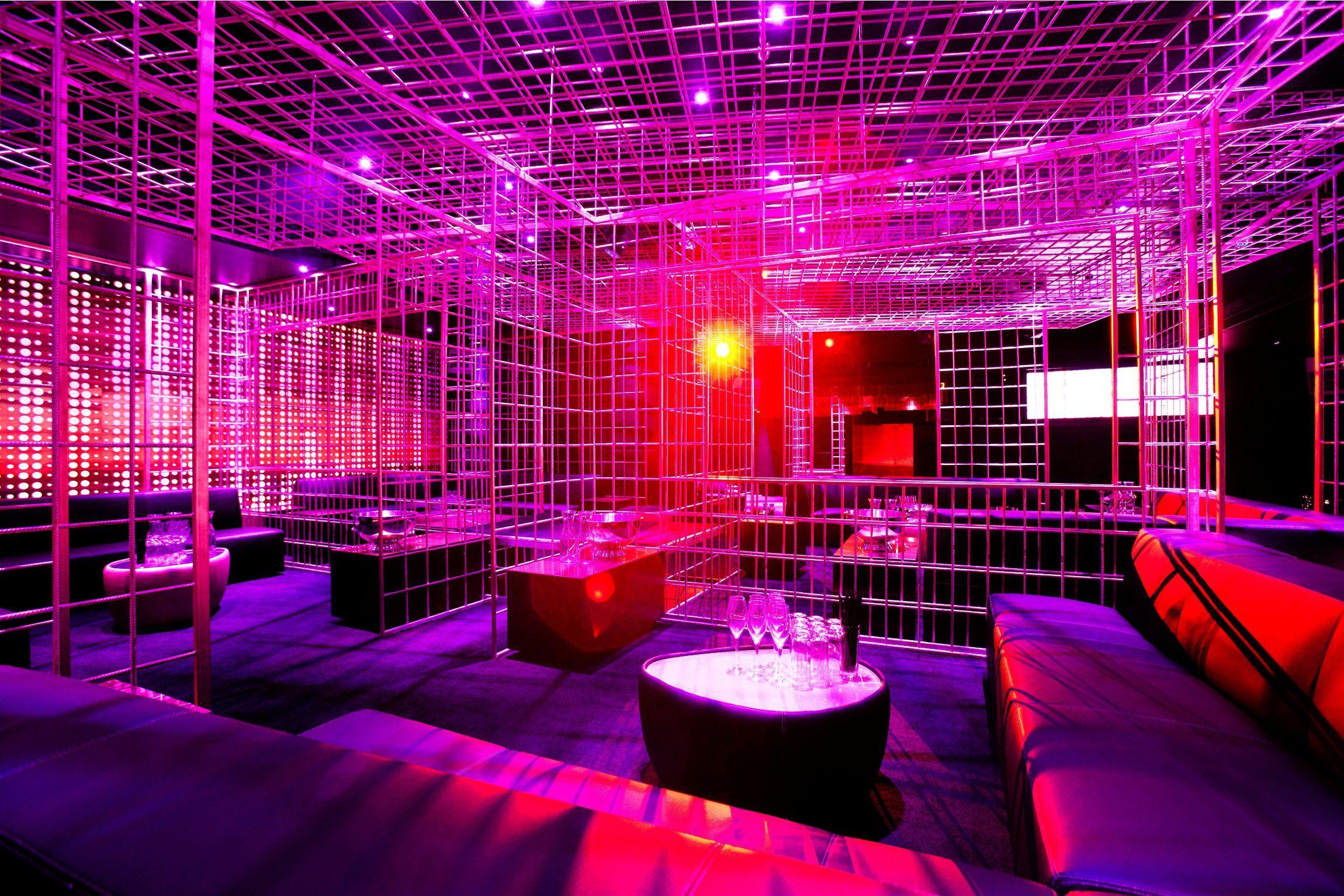 Dise o club nocturno iluminaci n club nocturno dise o de disco night club sistemas de - Discoteca ozona madrid ...