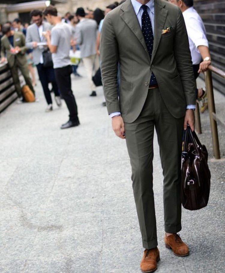 Gentz Fashion On Instagram Andreasweinas In A Beautiful Green Suit Sartorial Sprezzatura Sprezz Dandy Mens Fashion Suits Green Suit Men Suit Fashion