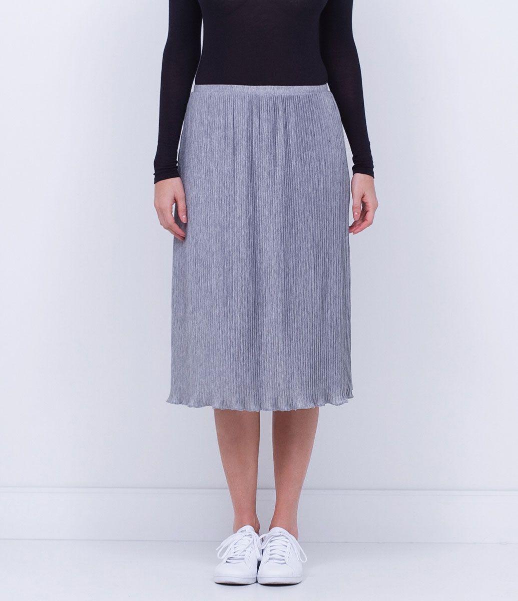 Saia feminina  Modelo midi  Plissada  Marca: Marfinno  Tecido: poliéster  Composição: 67% poliéster; 33% viscose  Modelo veste tamanho: 36       COLEÇÃO INVERNO 2016     Veja outras opções de    saias femininas.