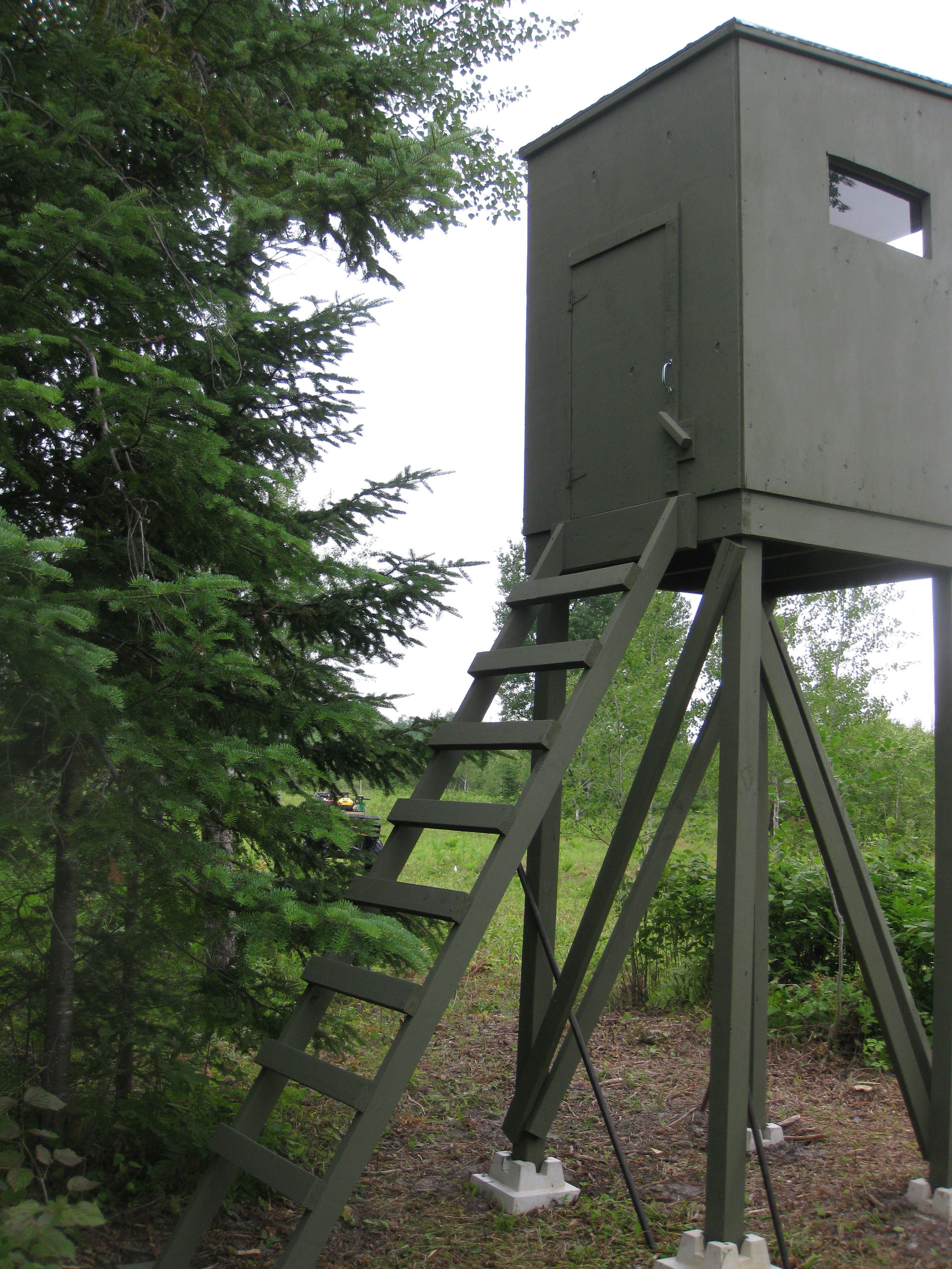 Back View Of Our New Tower Stand D Deer Hunting Blinds Deer Hunting Stands Whitetail Deer Hunting
