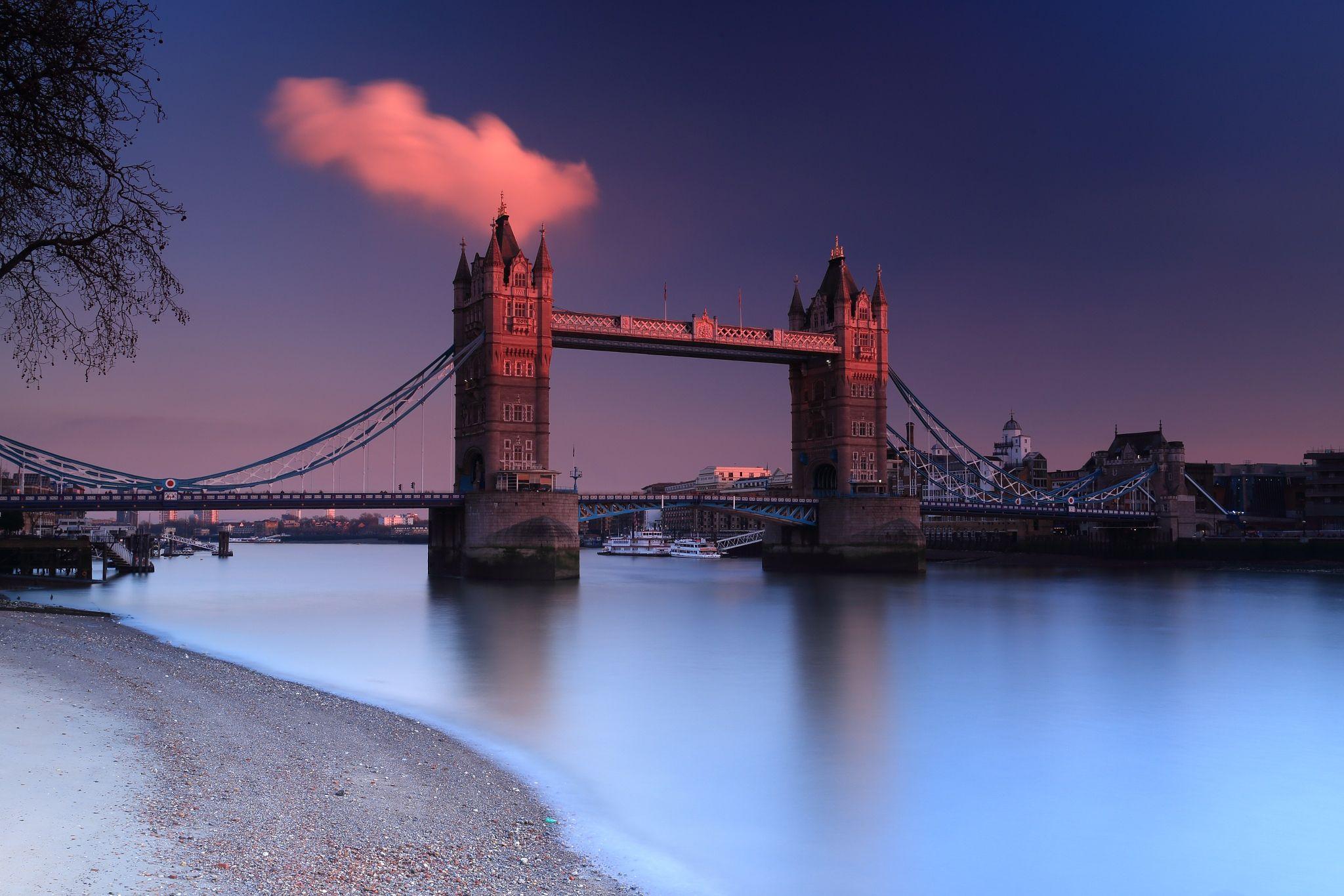 Tower Bridge Glow by Craig Davison on 500px