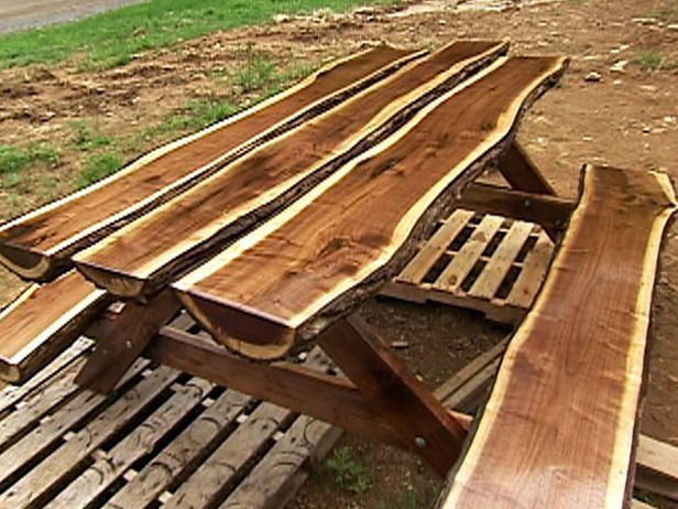 Natural Log Style Picnic Table I LOVE To Make Things. This Is Beautiful