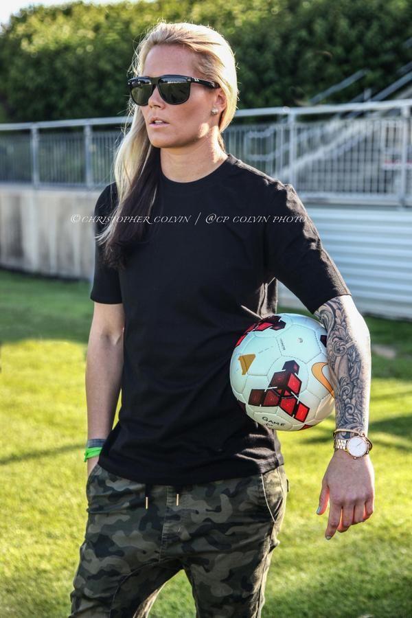 Ashlyn harris lesbian