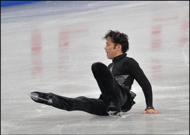 Japan Figure Skating Championships2013 His right leg was injured.