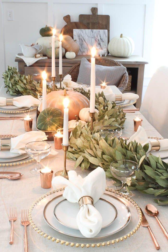 Thanksgiving Tablescape With Bay Leaf Garland In 2020 Herbstliche Tischdekorationen Herbst Tischdekorationen Herbst Dekor