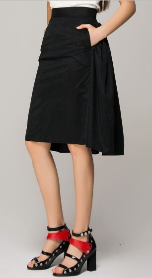 6300fe735 Love the Skirt #Black #Pleated #Mini #Skirt #Winter #Fashion #Red_and_Black  #Sandals #Heels