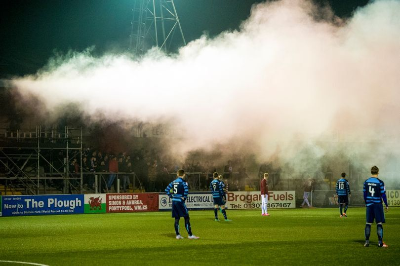 Linlithgow Rose fans let off flares ahead of their Scottish Cup clash against Forfar in 2016. (Photo: SNS Group)