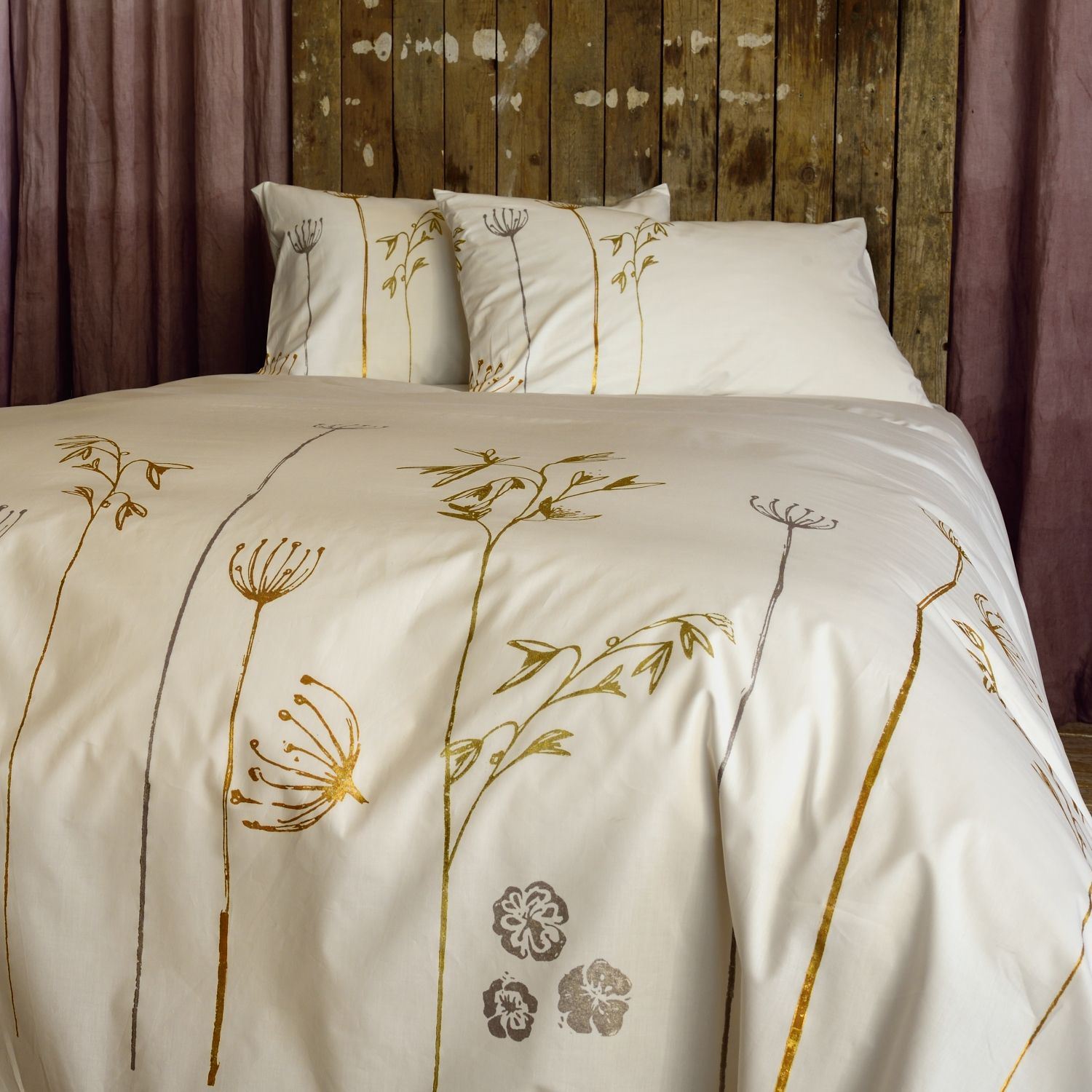 Beautiful luxury bedding set exclusively hand printed by Stamperia