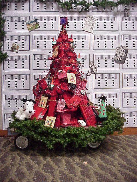 Geek Christmas Tree Made From Old Computer Parts Geek Christmas Decorations Christmas Decorations Geek Christmas