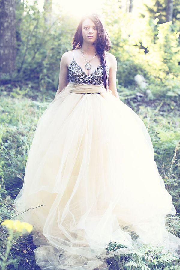 incredible tulle wedding skirt //