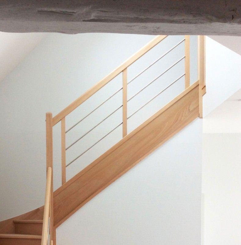 Rampe En Bois Et Inox Pour Escalier Contemporain Sur Mesure En 2020 Escalier Contemporain Decoration Maison Escalier