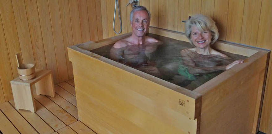 Japanese hottub hinoki wood hot tub ofuro soaking spa for Spa tubs for small bathrooms