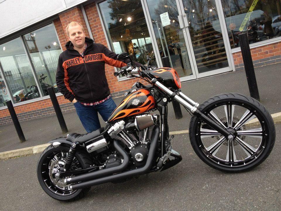 Sick Custom Dyna Wide Glide: Graham's Harley Davidson Wide Glide With Weeli Seat