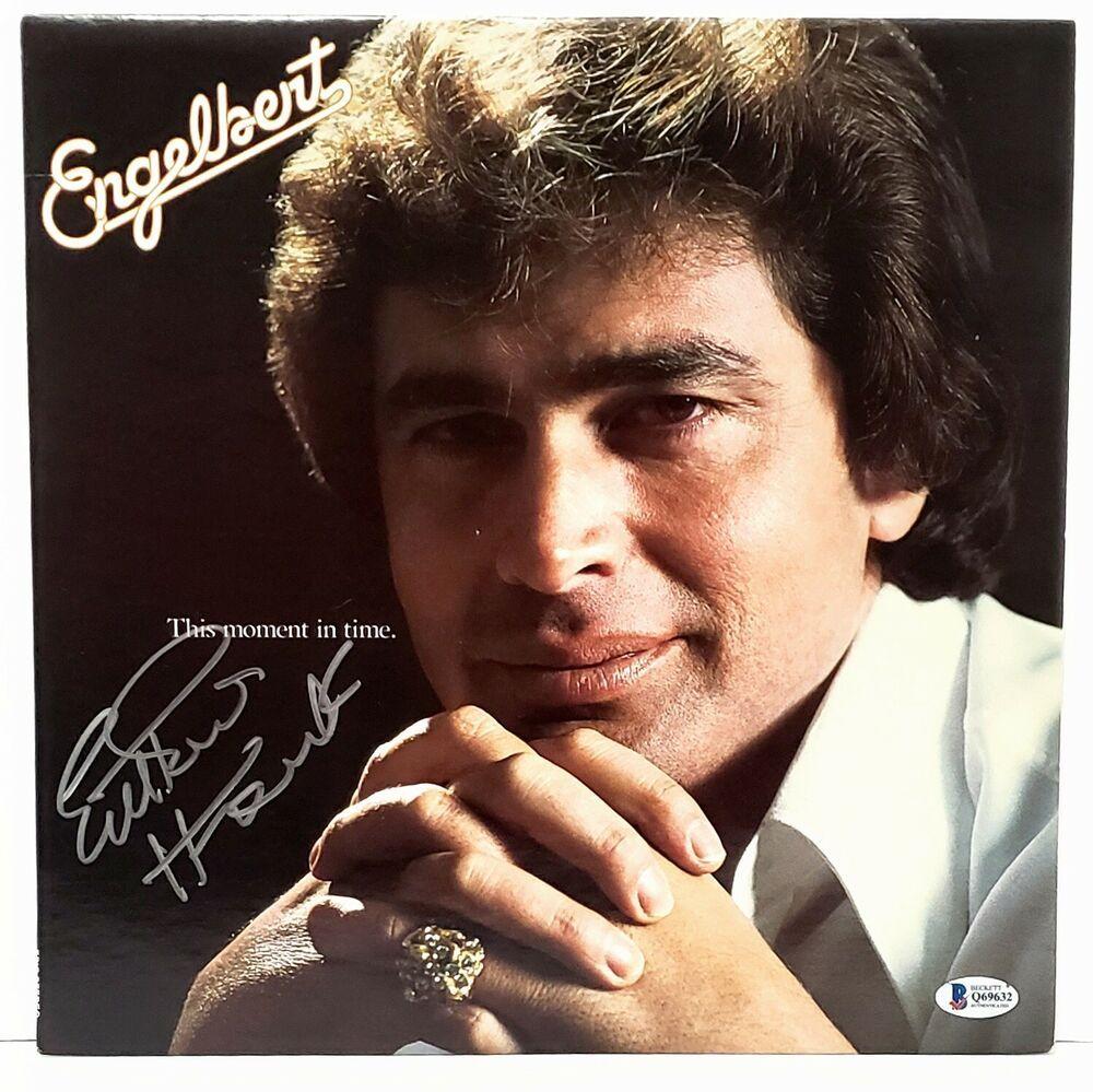 Engelbert Humperdinck Signed Vinyl Lp This Moment In Time Beckett Bas Q69632 Vinyl Signs In This Moment Vinyl