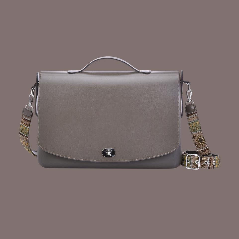 9e97d529cf Borsa O Folder Mini di O Bag collezione autunno inverno 2017 2018 - Lei  Trendy. Visita. marzo 2019