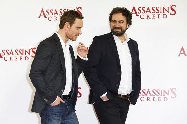 """Michael Fassbender Photos Photos - Michael Fassbender and Justin Kurzel attend the """"Assassin's Creed"""" photocall at Claridges Hotel on December 8, 2016 in London, England. - 'Assassin's Creed' - Photocall"""