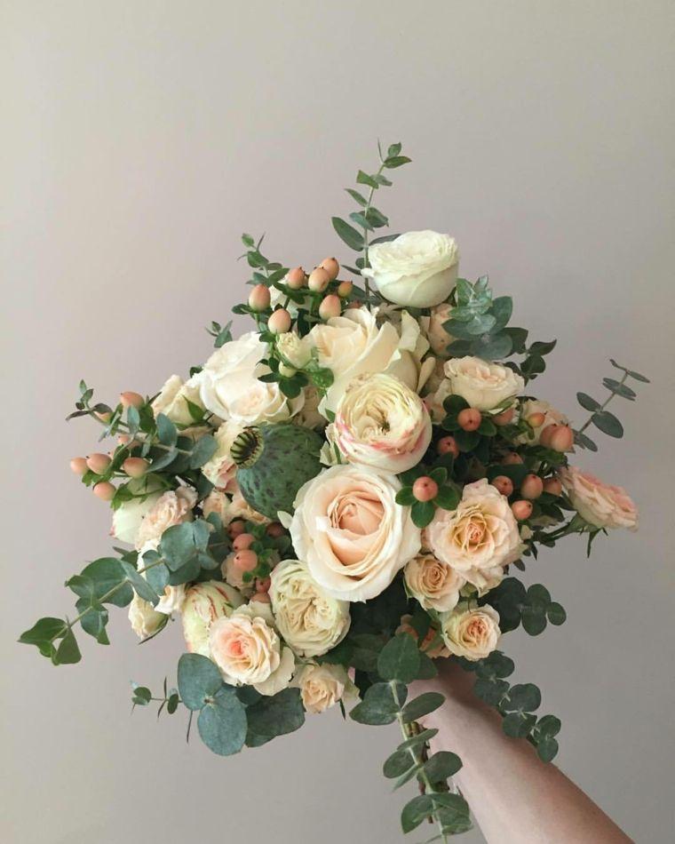 Mazzo Di Fiori The West.Mazzi Di Fiori Particolari Bouquet Rose Color Pesca Tanto Verde