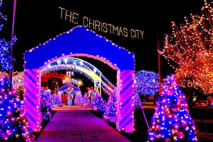 13 Christmas Light Displays In Massachusetts That Are Pure Magic - 13 Christmas Light Displays In Massachusetts That Are Pure Magic